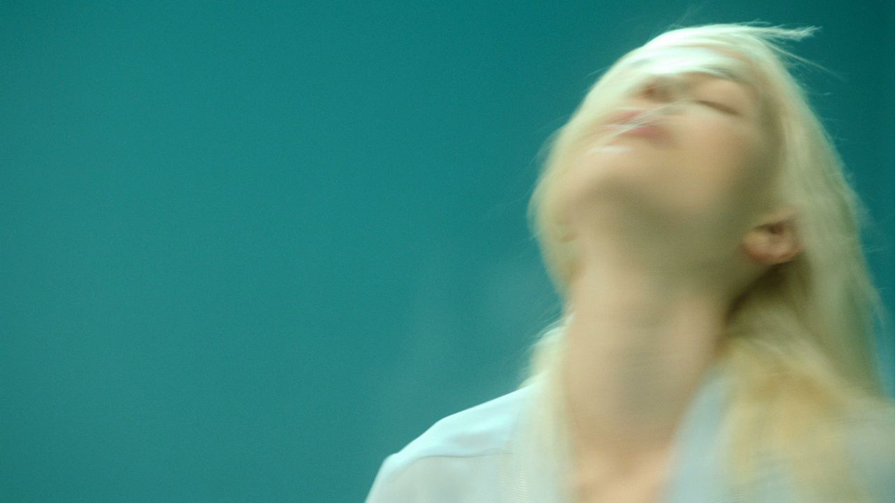 """""""How I feel"""" by Sophie Delaporte, Pulpalicious music video."""