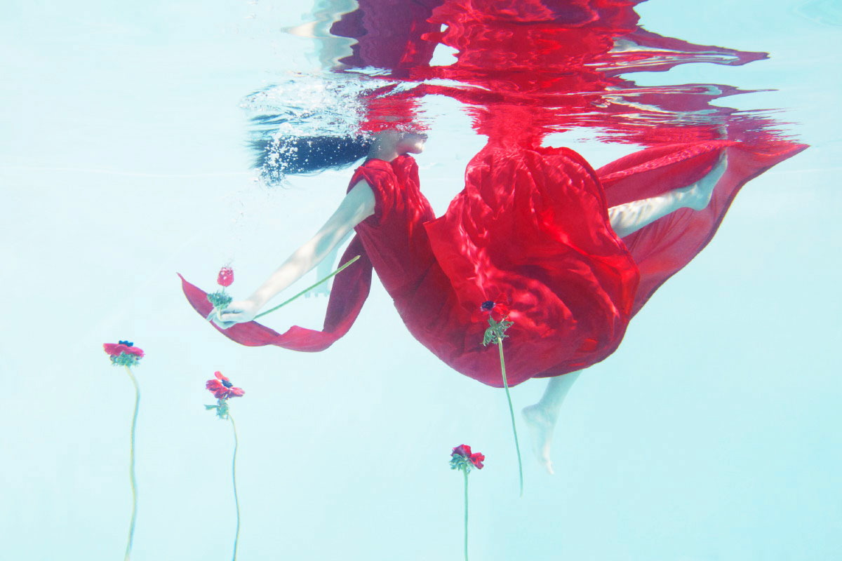 underwater beauty editorial by sophie delaporte for vogue china
